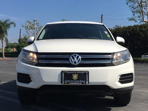2012 Volkswagen Tiguan SE Carfax Report - No AccidentsDamage Reported  White  We are not resp