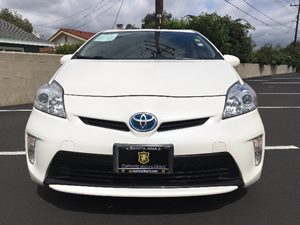 2014 Toyota Prius One Carfax 1-Owner  Super White  We are not responsible for typographical er