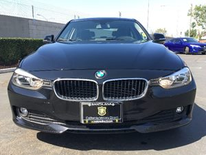 2014 BMW 3 Series 320i Heated Front Seats Moonroof Power Front Seats WDriver Seat Memory Audio