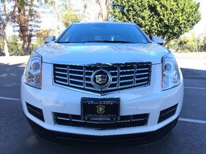 2014 Cadillac SRX Luxury Collection Carfax 1-Owner - No AccidentsDamage Reported  White  We a