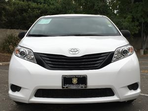 2015 Toyota Sienna Base Carfax 1-Owner - No AccidentsDamage Reported  Super White  We are not