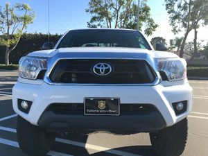 2015 Toyota Tacoma PreRunner V6 Carfax 1-Owner - No AccidentsDamage Reported  Super White  We