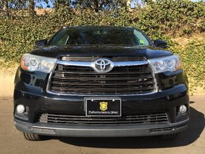 2015 Toyota Highlander XLE Carfax 1-Owner  Attitude Black Metallic  We are not responsible for