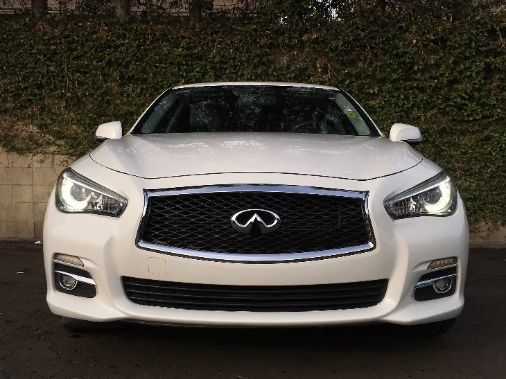2014 INFINITI Q50 Premium  Moonlight White All advertised prices exclude government fees and ta