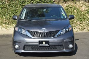 2014 Toyota Sienna SE 8-Passenger Carfax 1-Owner - No AccidentsDamage Reported  Predawn Gray M