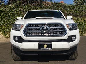 2017 Toyota Tacoma TRD Sport Carfax 1-Owner - No AccidentsDamage Reported  Super White  We ar