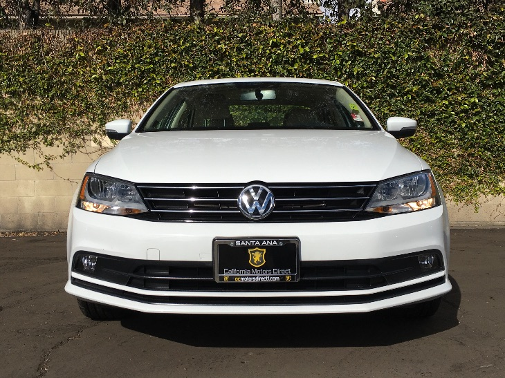 2015 Volkswagen Jetta Sedan TDI SEL  Pure White All advertised prices exclude government fees a