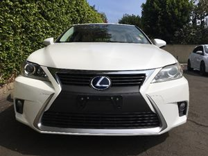 2014 Lexus CT 200h   Ultra White wBlack Roof All advertised prices exclude government fees and