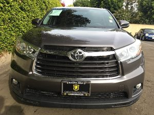 2015 Toyota Highlander LE Plus Carfax 1-Owner  Predawn Gray Mica  We are not responsible for t