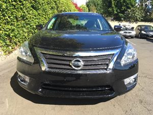 2015 Nissan Altima 25 SL Carfax 1-Owner - No AccidentsDamage Reported  Super Black  We are n