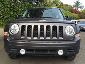 2017 Jeep Patriot Latitude Carfax 1-Owner - No AccidentsDamage Reported  Gray  We are not res