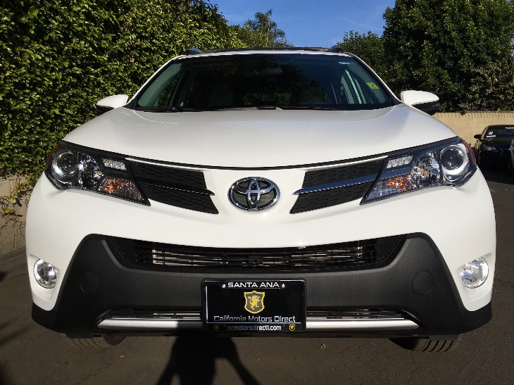 2015 Toyota RAV4 XLE  Super White All advertised prices exclude government fees and taxes any