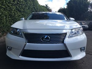 2015 Lexus ES 350  Carfax 1-Owner - No AccidentsDamage Reported Chrome Side Windows Trim Clearc