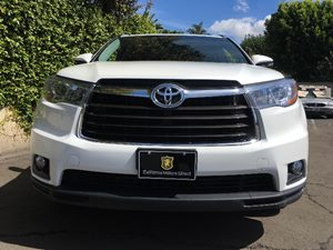 2016 Toyota Highlander XLE Carfax 1-Owner - No AccidentsDamage Reported Analog Display Audio A
