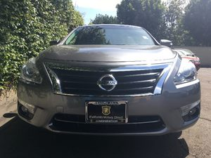 2015 Nissan Altima 25 SL  Gray  We are not responsible for typographical errors All prices li