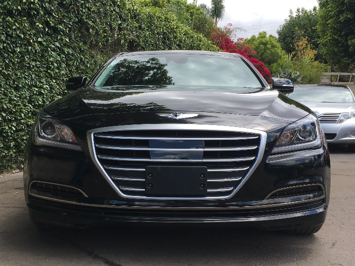 2015 Hyundai Genesis 38L  Caspian Black All advertised prices exclude government fees and taxe