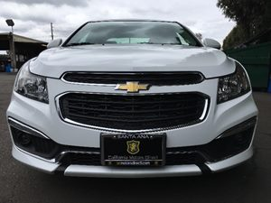 2015 Chevrolet Cruze 1LT Auto  Summit White  All advertised prices exclude government fees and