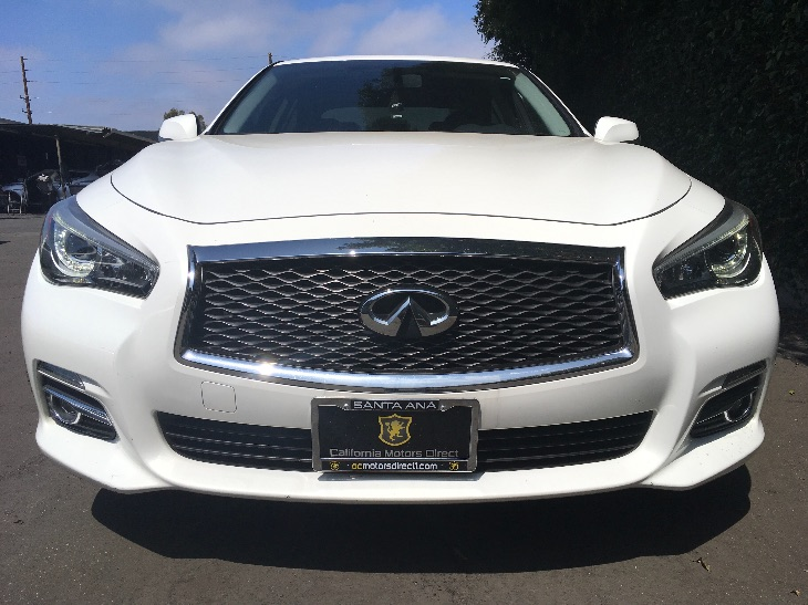 2015 INFINITI Q50   Moonlight White All advertised prices exclude government fees and taxes an