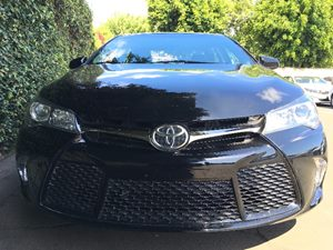 2016 Toyota Camry SE  Midnight Black Metallic All advertised prices exclude government fees and