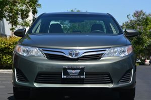 2014 Toyota Camry LE Carfax 1-Owner - No AccidentsDamage Reported  Green  We are not responsi