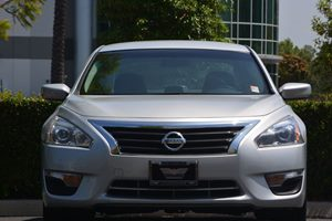 2015 Nissan Altima 25 S Carfax 1-Owner - No AccidentsDamage Reported  Brilliant Silver  We a