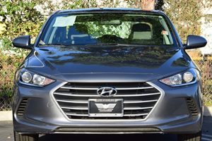 2017 Hyundai Elantra SE Carfax 1-Owner - No AccidentsDamage Reported  Gray 16398 Per Month