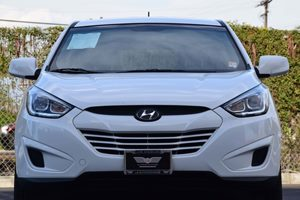 2015 Hyundai Tucson GLS Carfax 1-Owner - No AccidentsDamage Reported  Winter White Solid --