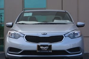 2015 Kia Forte LX Carfax 1-Owner - No AccidentsDamage Reported  Gray 16314 Per Month -ON AP
