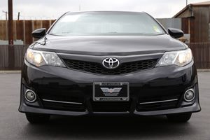 2014 Toyota Camry SE 2 12V Dc Power Outlets Audio Mp3 Player Convenience Cruise Control Conve
