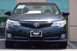 2014 Toyota Camry SE V6  Gray 20295 Per Month -ON APPROVED CREDIT---  ---  See our ent