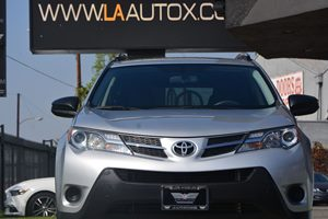 2014 Toyota RAV4 LE Carfax 1-Owner - No AccidentsDamage Reported  Classic Silver Metallic 22