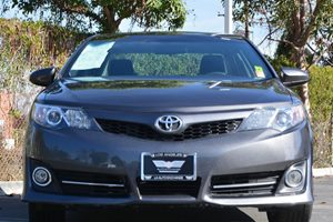2014 Toyota Camry SE Carfax Report - No AccidentsDamage Reported  Gray 18996 Per Month -ON