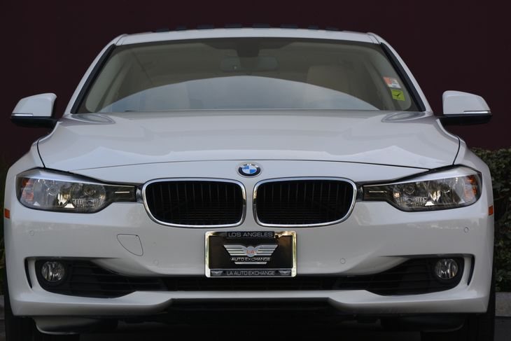 2014 BMW 3 Series 328i Air Conditioning AC Audio AmFm Stereo Audio Auxiliary Audio Input A