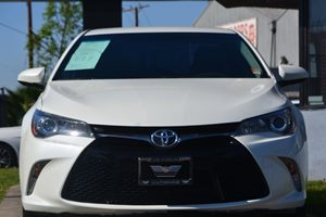 2016 Toyota Camry SE Carfax 1-Owner - No AccidentsDamage Reported  Super White 22244 Per Mo