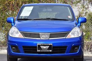 2008 Nissan Versa 18 S Carfax 1-Owner - No AccidentsDamage Reported  Sapphire Blue Metallic