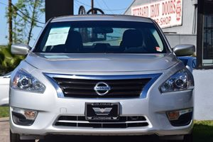 2015 Nissan Altima 25 S Carfax 1-Owner - No AccidentsDamage Reported  Brilliant Silver 163