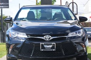 2015 Toyota Camry SE Carfax 1-Owner  Attitude Black 19646 Per Month -ON APPROVED CREDIT--