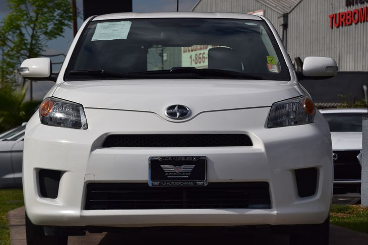 2014 Scion xD Base  Super White TAKE ADVANTAGE OF OUR PUBLIC WHOLESALE PRICING GOING ON RIGHT