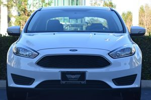 2015 Ford Focus SE Carfax 1-Owner - No AccidentsDamage Reported  Oxford White 15612 Per Mon
