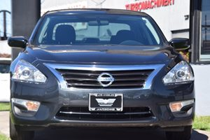 2015 Nissan Altima 25 S Brakes 4-Wheel Disc Brakes Convenience Automatic Headlights Convenien