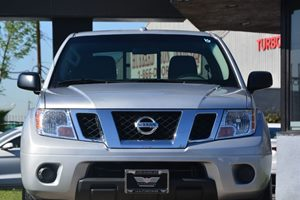2017 Nissan Frontier SV Carfax 1-Owner  Brilliant Silver 2809 Per Month -ON APPROVED CREDIT