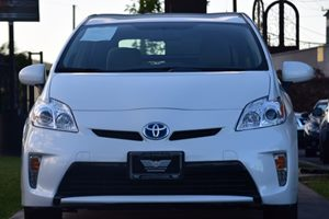 2015 Toyota Prius Two Carfax 1-Owner - No AccidentsDamage Reported  Super White 20295 Per M