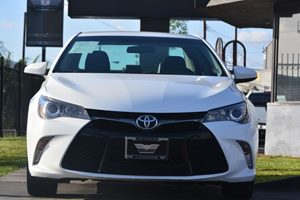 2015 Toyota Camry SE Carfax 1-Owner - No AccidentsDamage Reported  Super White  19646 Per M