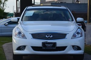 2015 INFINITI Q40  Carfax 1-Owner - No AccidentsDamage Reported  Moonlight White 23543 Per