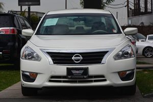 2015 Nissan Altima 25 S  White 17697 Per Month -ON APPROVED CREDIT---  ---  See our e