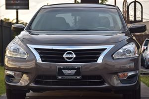 2015 Nissan Altima 25 S  Gray 17047 Per Month -ON APPROVED CREDIT---  ---  See our en