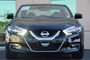 2016 Nissan Maxima Platinum Carfax 1-Owner - No AccidentsDamage Reported  Black  We are not r