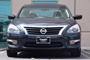 2015 Nissan Altima 25 S  Super Black 17047 Per Month -ON APPROVED CREDIT---  ---  See