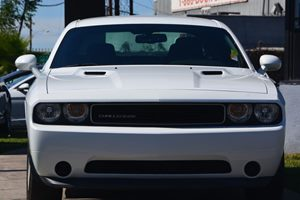2014 Dodge Challenger SXT Carfax 1-Owner - No AccidentsDamage Reported  Bright White Clearcoat