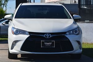 2015 Toyota Camry SE Carfax 1-Owner - No AccidentsDamage Reported  Super White 18996 Per Mo